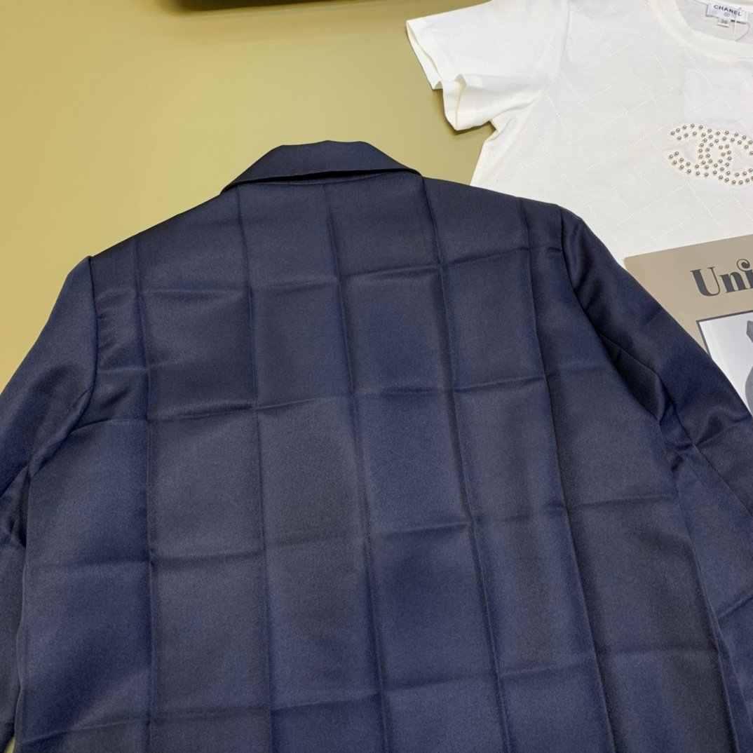 2020 ใหม่แฟชั่นสุภาพสตรีคุณภาพสูงแขนยาวสีทึบลูกไม้สแควร์จีบเสื้อ 0719