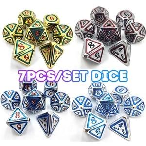 DnD металлические игральные кости RPG MTG кубики италика шрифт кости включают в себя кости мешочек разные цвета D4 D6 D8 D10 D12 D20