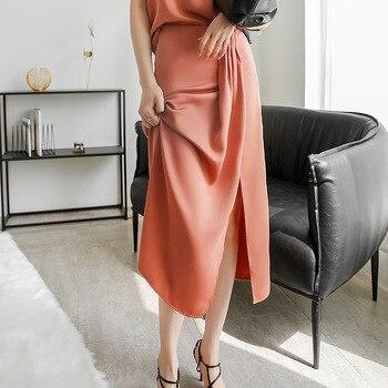 2020 summer women's new high waisted, draped, no iron skirt, Korean version, pinched pleats, thin, high split skirt, simple ruffle trim high waisted high low skirt