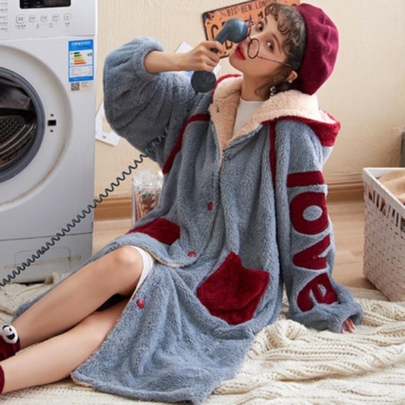 Autumn Women's Pajamas Ladies Flannel Pyjamas in Autumn and Winter Lovely Cap Thickened Coral Down Sleepwear Bathrobe in Winter