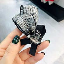Korean Simple Retro Handmade Rhinestone Mink Hair Brooch Women Fashion Suit Corsage Collar Jewelry Accessories
