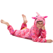 цены на Winter Children Animal One-Piece Pajamas Kids Boys Girls Sleepwear Flannel Hooded Cartoon Pajamas Set Christmas Cosplay Onesie  в интернет-магазинах