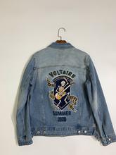Veste en Denim bleu délavé pour femme, manteau à manches longues, avec crâne brodé sur la poitrine, pour jouer de la guitare, collection été 2020