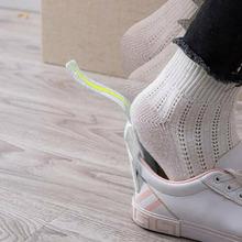 2 sztuk profesjonalne łyżka do butów elastyczny podnośnik do butów 16cm plastikowa łyżka do butów kształt łyżka do butów s podnośnik do butów miękkie PP tanie tanio Houkiper Z tworzywa sztucznego lazy shoes lifter