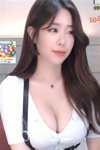 韩国美女皮带超短裤热舞直播视频[高清]