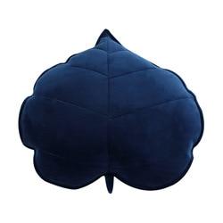 Мягкая плюшевая подушка в виде листьев, 3D постельное белье для дивана, спальни, детской комнаты, домашний декор