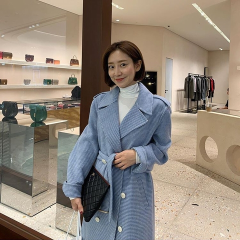 Autumn and winter New style belt coat Women fashion Plaid Long Wool Blend Overcoat Casual Loose Trench Coats Lahore