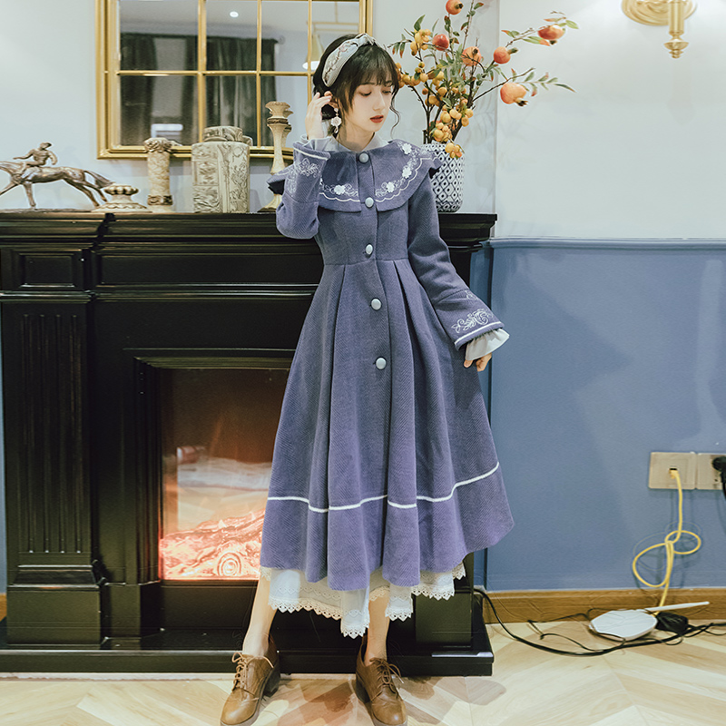 Winter Vintage Chinese Style Women Woolen Coat Retro Blue Embroidery Single Breasted Long Design Cloak Wool Blends Coat