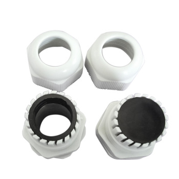 Prensaestopas de Nylon M18 color negro