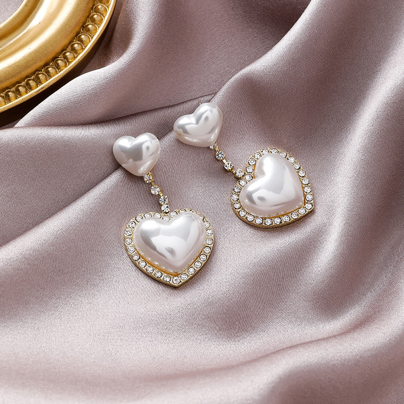 2020 New Korean Exaggerated Love Imitation Pearl Drop Earrings For Women Temperament crystal Long Party Jewelry Gifts