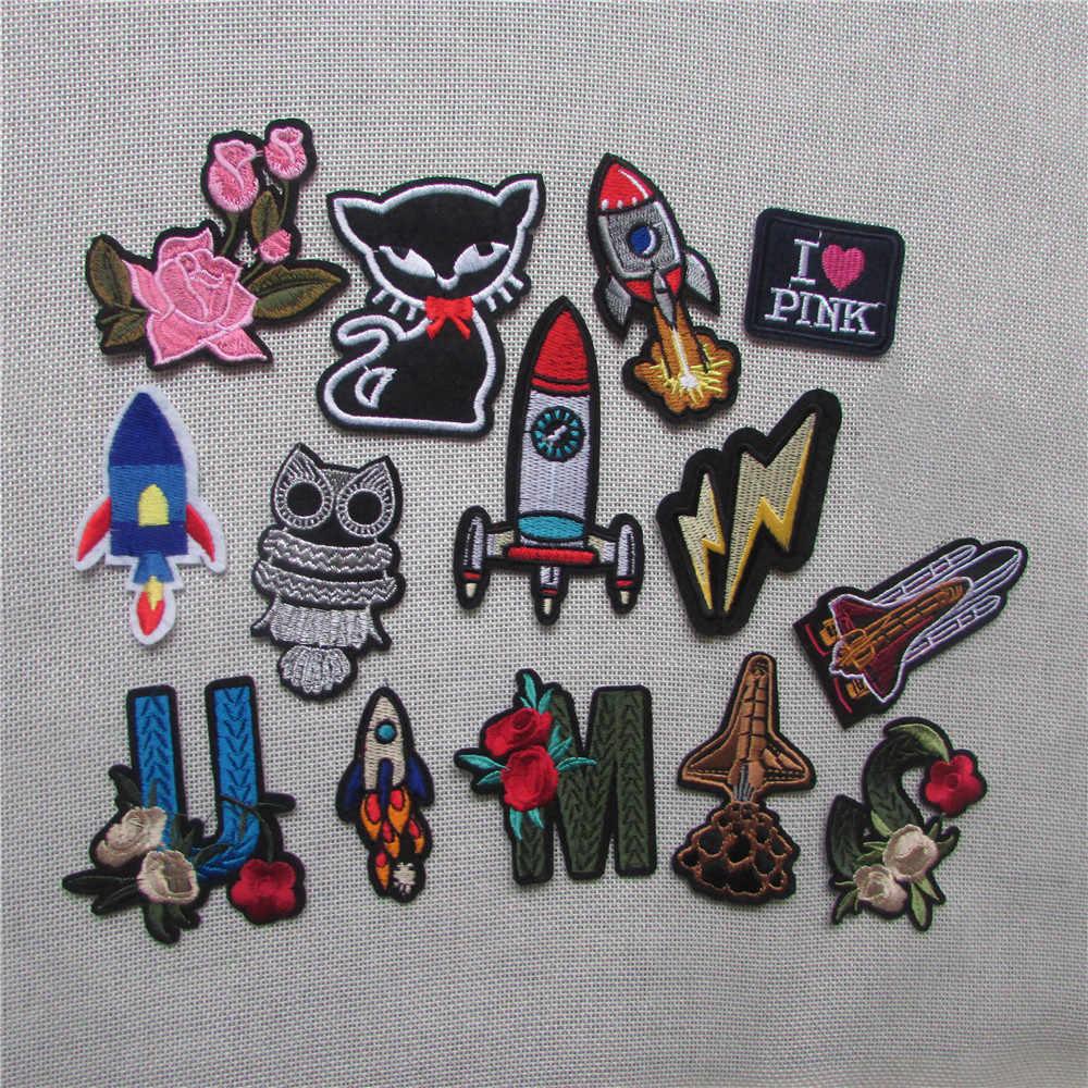 Caldo alfabeto 1PCS rocket Patch di gatto A Buon Mercato Ricamato Sveglio Toppe e Stemmi Ferro Sul Fumetto Toppe e Stemmi Per I Vestiti Dei Capretti Dei Jeans Applique distintivi e Simboli