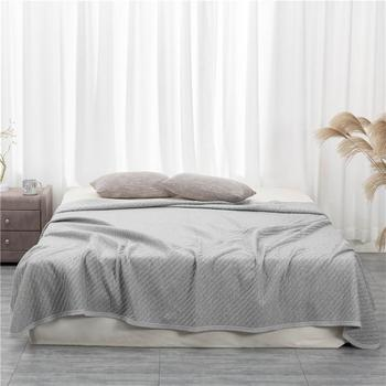 46Twill-knit minimalist portable quilted quilt for bed and sofa, soft and skin-friendly blanket for home and travel