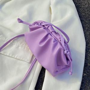 Однотонная плиссированная сумка через плечо 2020 летняя Новая высококачественная женская сумка из искусственной кожи Повседневная дорожная...