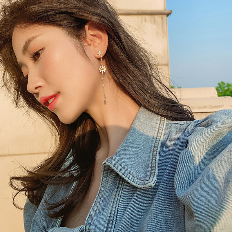Long flower earrings 2020 new wave shape asymmetric delicate small daisy earrings female ear jewelry Fashion Stud Earrings