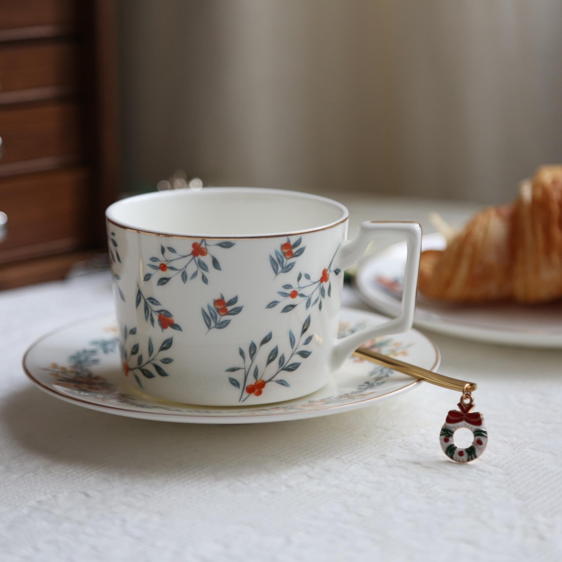 Korean Coffee Cup And Saucer Set Bone China Black Tea Dessert Cup Set Sugar Reusable Porcelain Koffie Kopjes Drinkware ED50BD