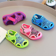 Bebé verano sandalias para niños y niñas de los niños sandalias de playa de fondo suave antideslizante Bebé Zapatos niños zapatos al aire libre Anti-colisión zapatos