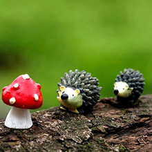 3Pc/Set Garden Moss Resin Crafts Artificial Mini Hedgehog Red Dot Mushroom Miniature Ornament Hedgehog Decor