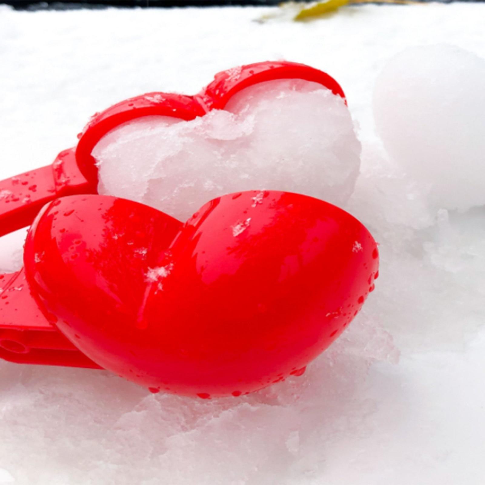 Heart Snowball Maker Winter Plastic Snowball Maker Clip Kids Outdoor Mold Toys U