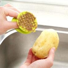 цена на Plastic Potato Peeler Fruit Vegetable Cleaning Brush Multi-functional Easy Cleaning Brush Carrot Ginger Peeler Kitchen Gadgets