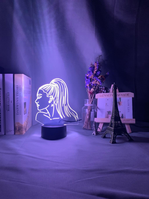 He430e608a4c643168a1c411e784fa02al Luminária Ariana Grande pop Luz noturna 3d, singer ariana, presente grande para ventiladores, decoração do quarto, luz led, sensor de toque, mudança de cor, lâmpada de mesa celebridade, celebridade
