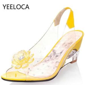 Image 1 - YEELOCA sandalias de cuña de 6,5 CM para mujer, zapatos de tacón con flores dulces transparentes, Punta abierta, color rojo, de talla grande 33 43