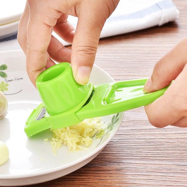 1 pièces en acier inoxydable ail Presses manuel ail hachoir hachage ail outils courbe fruits légumes outils cuisine Gadgets chaude 5