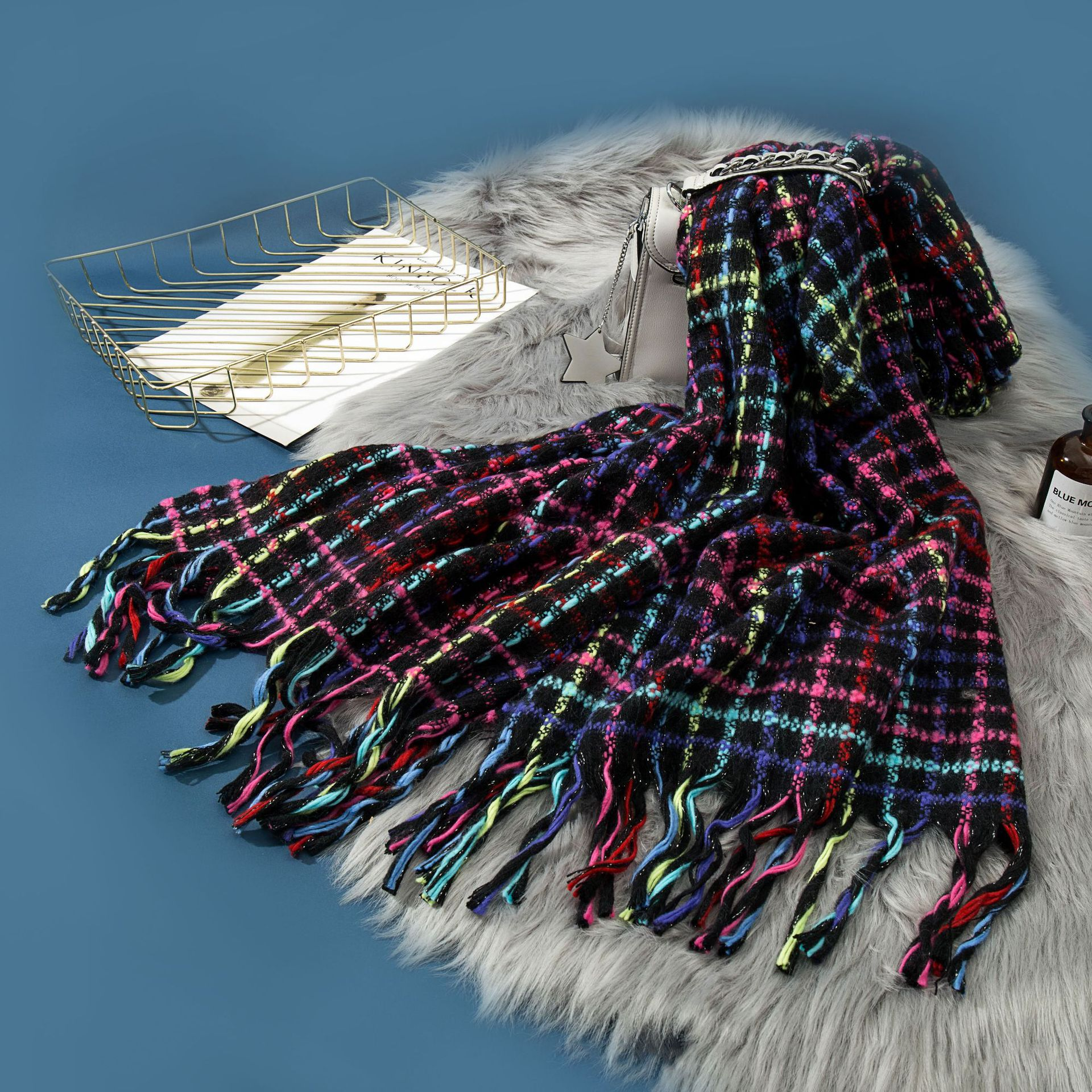 Manufacturers Direct Selling Big Goods Wholesale 19 Years New Style Popular Fashion Graceful Iceland Wool Tassels Scarf Gift Cus