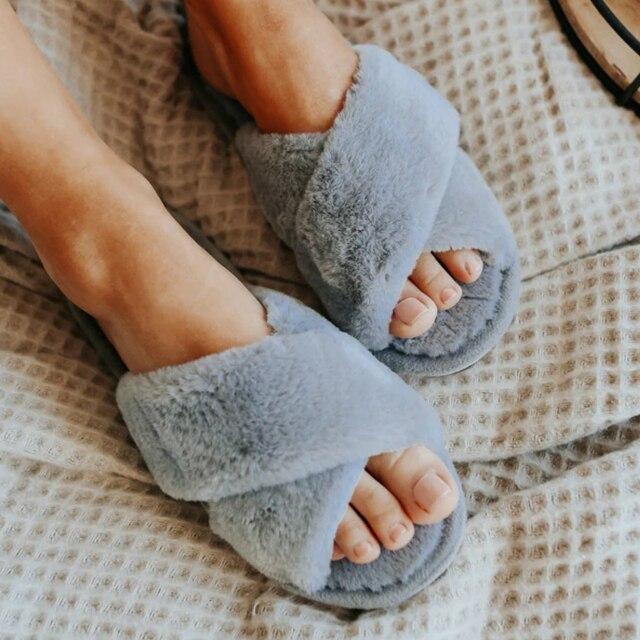Inverno feminino casa chinelos quente da pele do falso sapatos de moda mulher deslizamento em apartamentos designer senhoras chinelos peludos feminino slides interior 1
