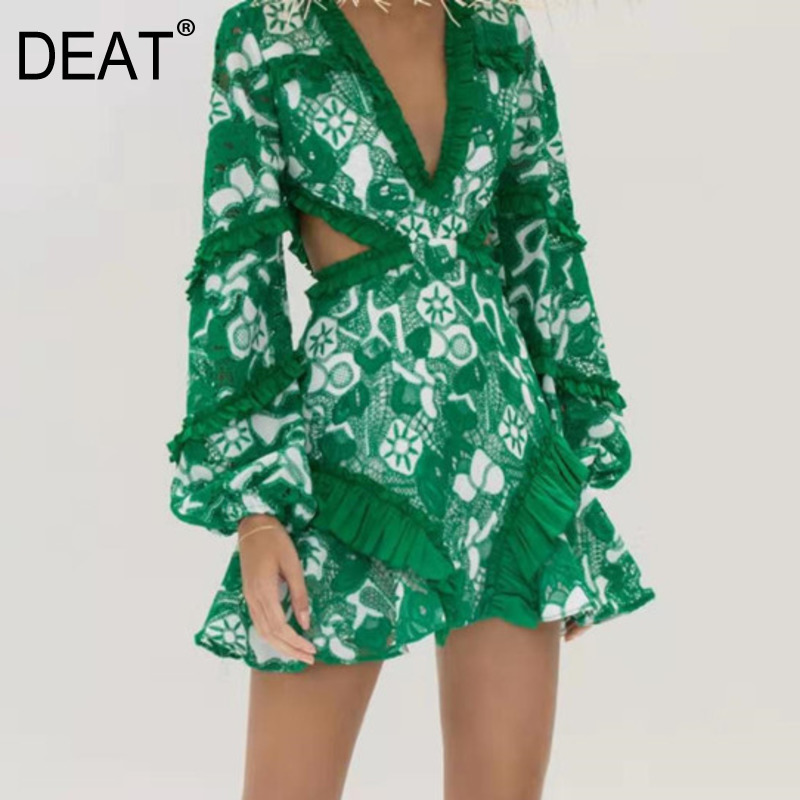 DEAT 2020 New Spring V-neck Lantern Sleeve Print Dress Women Vintage Loose Sexy Embroidery Temperament A-line Dress Tide PD703