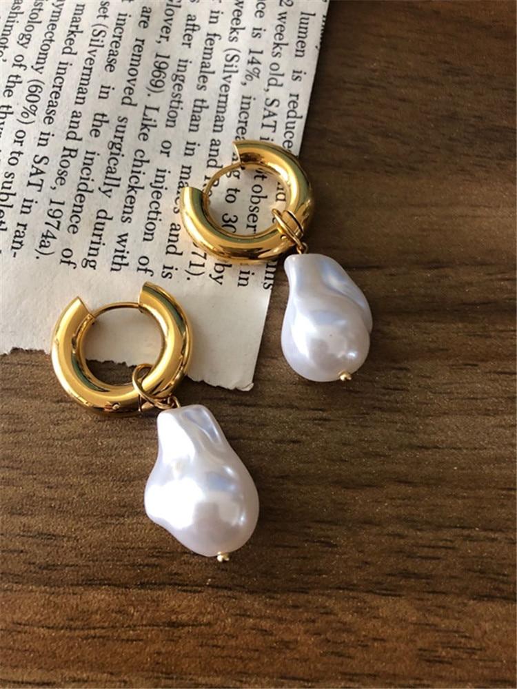 Pendientes circulares Vintage para mujer, aretes de perlas barrocas de gran imitación, clip para oreja de círculo dorado, joyería Punk dorado, redondos, A14257