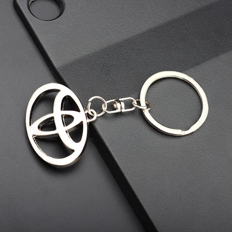 Zinc Alloy Metal Car Logo Key Ring Eight-button Buckle Rotating Key Ring Pendant For Gifts To Send Toyota Car Holders