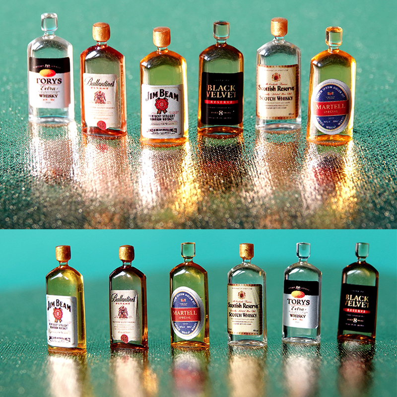 Miniature Accessories   12th scale  FD156 Whisky Bottle