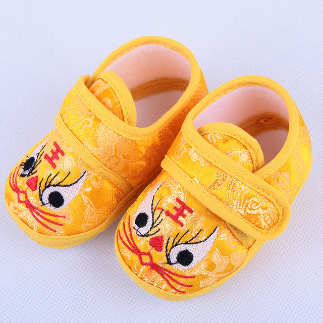 Baby Toddler Shoes Spring Shoes Plus Velvet Comfort Chinese Style Baby First Walkers Shoes Soft Soled Infant Crib Shoes