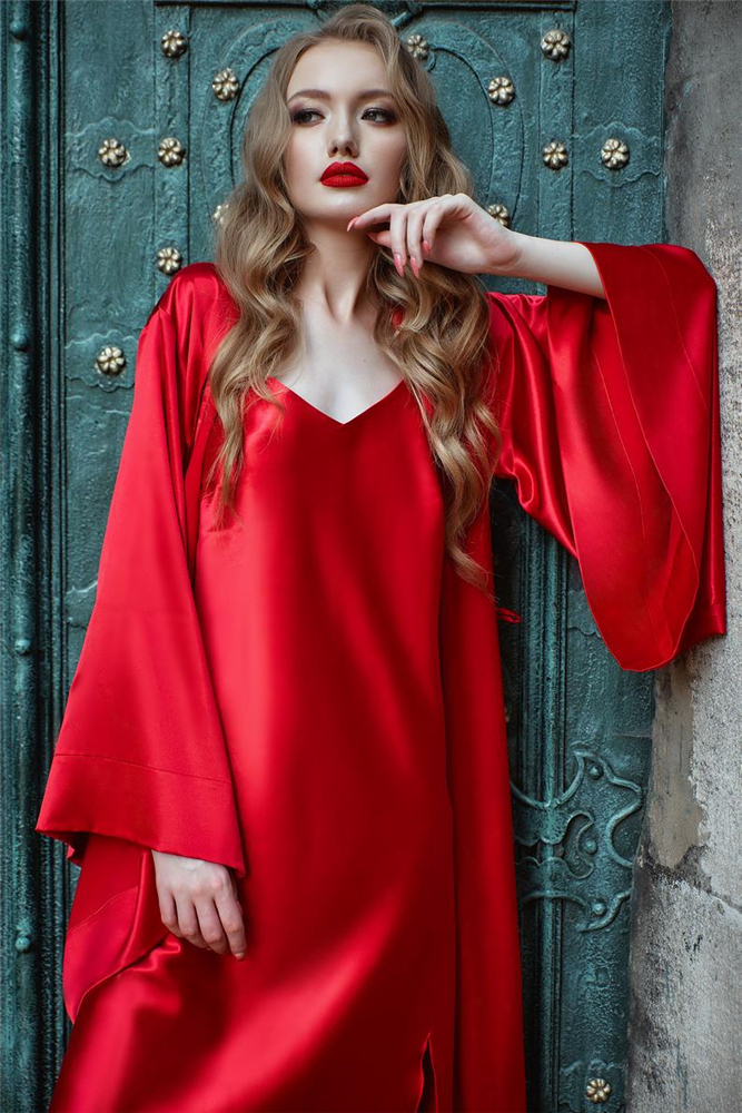 Two-Piece Chinese Red Ladies Bathrobe Solid Sexy Beautiful Party Evening Nightwear Long Sleeves V-Neck Sleepwear