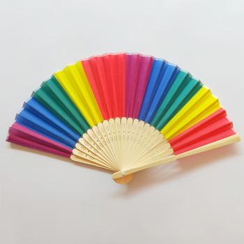 8 Cal kolorowe Rainbow wachlarze składane bambusowe kości Fan taniec na wesele tematyczne imprezy naturalny jasny kolor dekoracji wnętrz tanie i dobre opinie Vinkkatory BAMBOO Tkaniny Drukowane