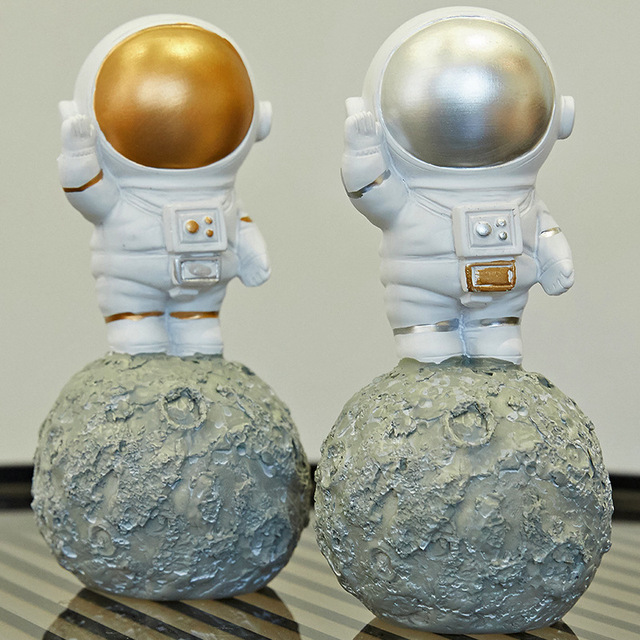 Nordic Style 3D Astronaut Figurines Home Decoration Crafts Moon Miniatures House Decor Planet Decorations for Kids Room Gifts 3