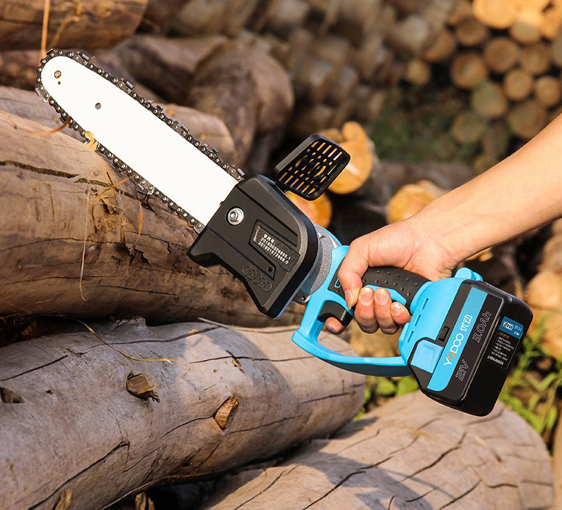 Cordless Chain Saw Brushless Motor Power Tools21V Li-ion Cordless Electric Chainsaw Garden Power Tools