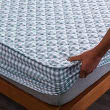 Hypoallergenic Mattress Cover Washable Embossed Cotton Quilted Mattress Protector Soft Anti-mite Mattress  Air-Permeable Bed Pad