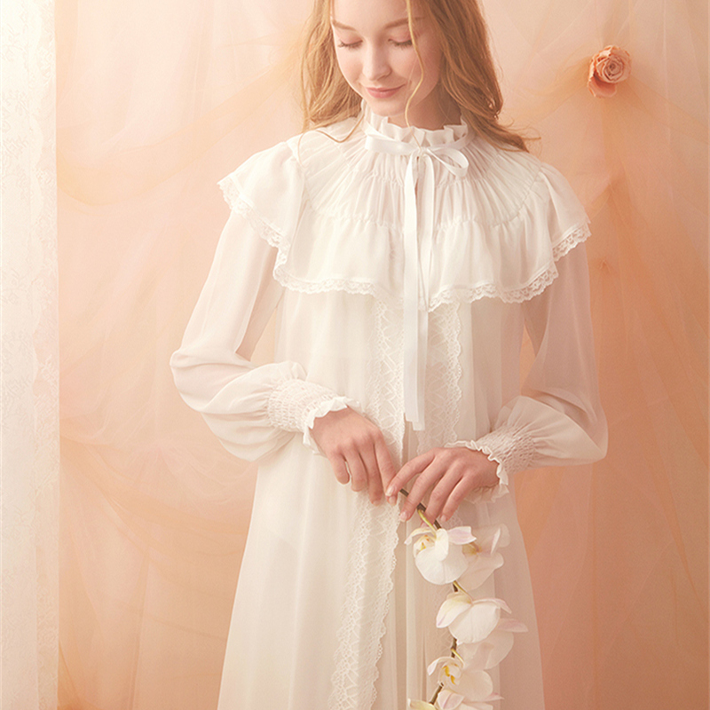 Lady Nightgown Retro Elegant Robe Vintage Women Lace White Robe Set Lace Long Sleeved Nightdress Gentlewoman