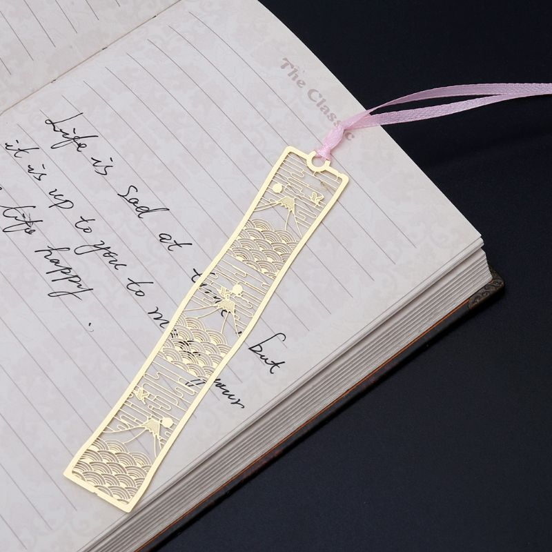 Vintage Flowers Hollow Bookmark Metal Book Marker Student School Office Supplies Stationery LX9A