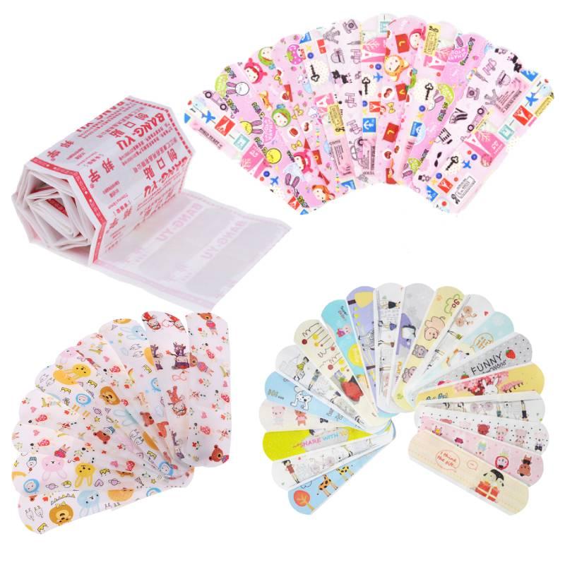 50 pçs impermeável adesivo respirável banda dos desenhos animados ajuda hemostasis adesivo ataduras kit de emergência primeiros socorros para crianças