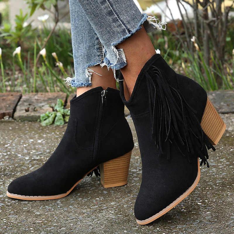 Bohemian Boho topuk çizme etnik kadınlar püskül saçak Faux süet deri yarım çizmeler kadın kız düz Zapatos De Mujer patik