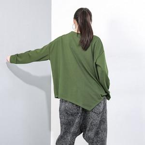 Image 4 - [Eem] kadınlar gevşek Fit cep boy eklenmiş düzensiz desenli tişört yeni yuvarlak boyun uzun kollu moda gelgit bahar sonbahar 2020 1D074