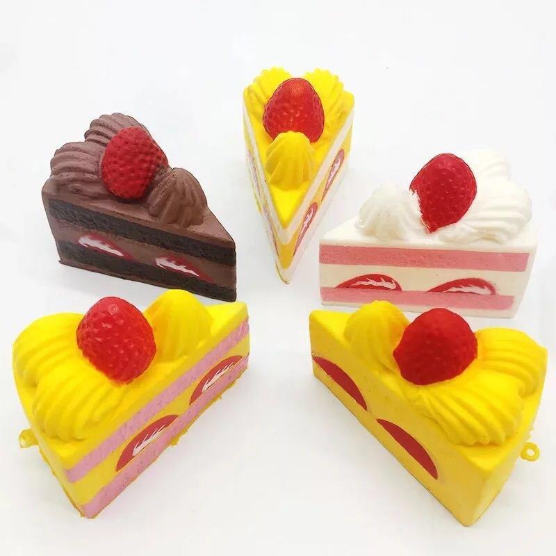 New Squishy slow rebound triangle small cake strawberry bread slow rebound cake mobile phone pendant cake slow rebound Report