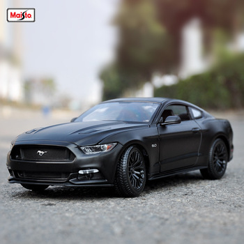 Maisto 1:18 2015 Ford Mustang GT  car alloy car model simulation car decoration collection gift toy Die casting model boy toy maisto 1 18 2017 ford gt yellow silver blue car diecast exquisite luxury car toy model collecting car model for men gift 31384