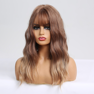 Image 2 - Long Wavy Synthetic WigsกับBangs Ombre Wigsสีน้ำตาลสำหรับธรรมชาติทุกวันปาร์ตี้Wigsทนความร้อน