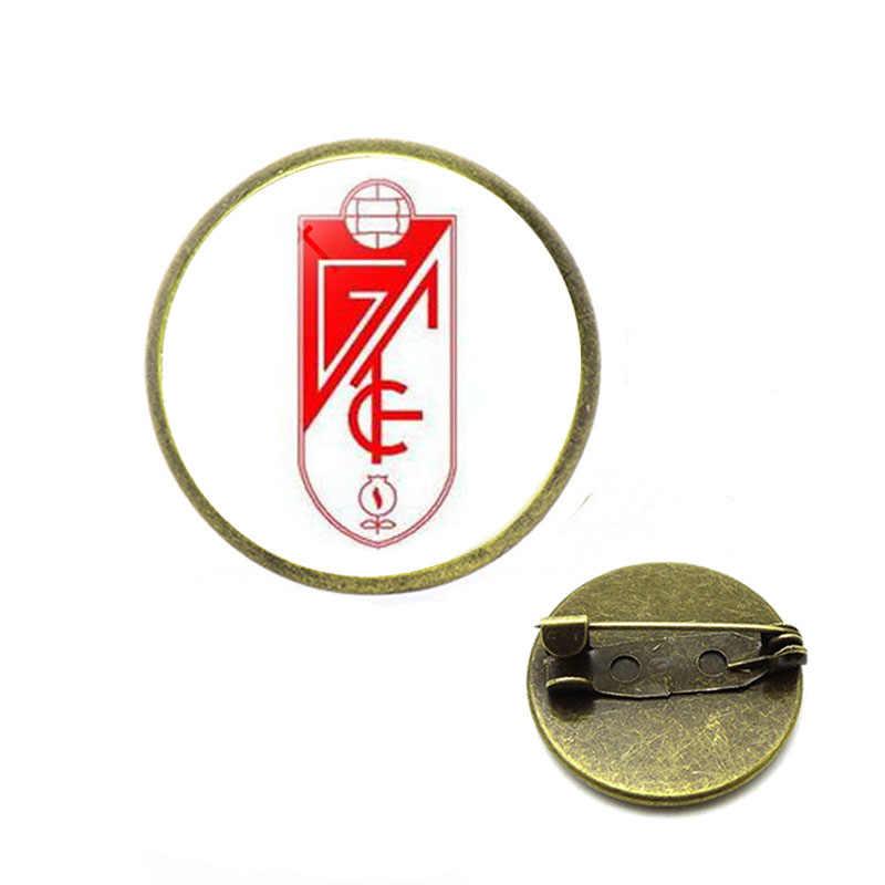 Squadra di calcio Logo Spille Logo della Squadra di Vetro Cabochon Squadra Logo Spille Spilli per il Calcio Ventole Dei Monili Dello Smalto Spilli Hijab Spilli