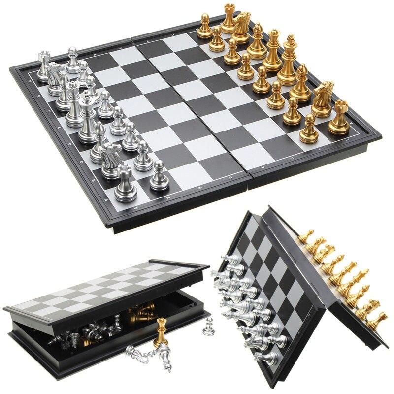 Jogo de xadrez prata peças de ouro