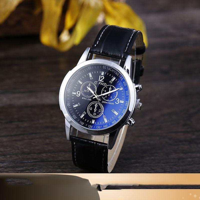 Usine Direct vente chaude cadeau montre pour hommes mode quartz montre hommes Blueray cuir ceinture montre pour hommes en gros