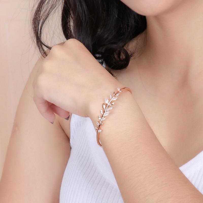 High quality 1:1 sweet romantic charm leaf crystal shape bracelet for women fashion leaf bracelet chain jewelry